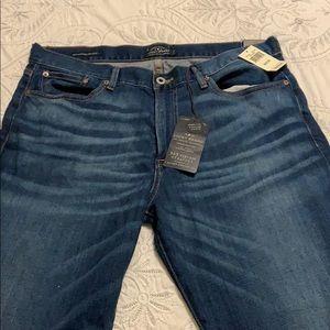 Lucky Brand Men's 363 Vintage Straight Leg Jeans